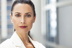 Ritratto di bella donna o donna di affari Fotografia Stock Libera da Diritti