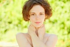 Ritratto di bella fine della ragazza in su Fotografie Stock Libere da Diritti