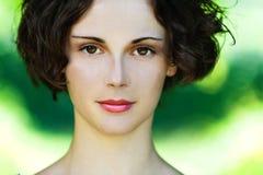 Ritratto di bella fine della ragazza in su Immagini Stock Libere da Diritti