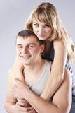 Ritratto di bella giovane coppia. Famiglia Immagini Stock