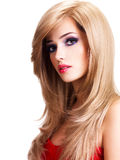 Ritratto di bella giovane donna con i capelli bianchi lunghi Immagine Stock Libera da Diritti