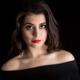 Ritratto di bella giovane donna del brunette Fotografie Stock Libere da Diritti
