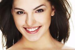 Ritratto di bella giovane donna felice fotografie stock libere da diritti