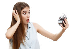 Ritratto di bella posa emozionale della ragazza fotografia stock libera da diritti