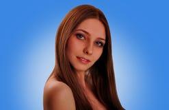Ritratto di bella ragazza con capelli lunghi Immagini Stock Libere da Diritti