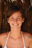 Ritratto di bella ragazza Con gli occhi verdi ed il tatuaggio Fotografie Stock Libere da Diritti