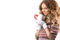 Ritratto di bella ragazza con la tazza Fotografie Stock Libere da Diritti