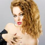 Ritratto di bella ragazza red-haired Fotografia Stock