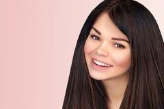 Ritratto di bella ragazza sorridente Fotografia Stock Libera da Diritti