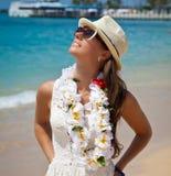 Ritratto di bella ragazza sulla spiaggia Immagine Stock Libera da Diritti