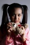 Ritratto di bella ragazza Un grande Web di ragno prima di una luna luminosa bizzarra Fotografie Stock