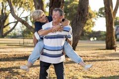 Ritratto di belle e coppie mature felici senior americane AR Immagini Stock Libere da Diritti