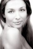 Ritratto di bellezza della donna con la spalla nuda Fotografia Stock