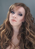 Ritratto di bellezza della donna dai capelli lunghi Fotografie Stock