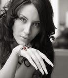 Ritratto di BW della ragazza attraente Fotografie Stock Libere da Diritti