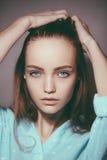 Ritratto di giovane adolescente biondo tenero Immagini Stock