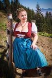 Ritratto di giovane agricoltore nelle montagne con il costume festivo Immagine Stock Libera da Diritti