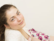 Ritratto di giovane bella donna. Fotografie Stock