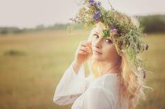 Ritratto di giovane bella donna Fotografie Stock Libere da Diritti