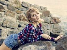 Ritratto di giovane bella ragazza bionda sensuale fotografia stock