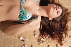 Ritratto di giovane bello brunette abbronzato w sexy immagine stock libera da diritti