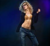 Ritratto di giovane blonde attraente Fotografie Stock Libere da Diritti