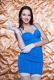 Ritratto di giovane brunette sorridente immagine stock