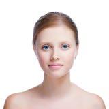Ritratto di giovane donna adulta con la pelle di salute del fronte Immagini Stock Libere da Diritti