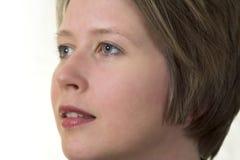 Ritratto di giovane donna attraente che sembra di destra fotografie stock libere da diritti