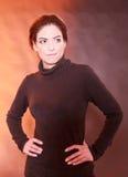Ritratto di giovane donna dark-haired Fotografia Stock Libera da Diritti
