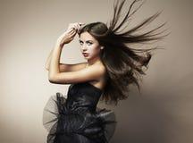 Ritratto di giovane donna di dancing Fotografia Stock Libera da Diritti