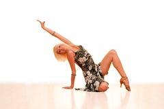 Ritratto di giovane donna nel ballo Immagini Stock Libere da Diritti