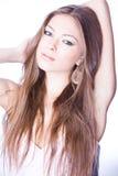 Ritratto di giovane donna romantica con la h lunga Immagini Stock