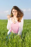 Ritratto di giovane donna seria fotografia stock