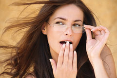Ritratto di giovane donna sorpresa Fotografia Stock Libera da Diritti