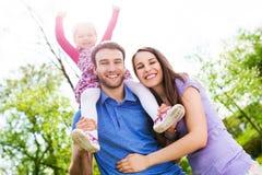 Ritratto di giovane famiglia Immagini Stock Libere da Diritti