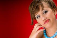 Ritratto di giovane modello con i branelli blu Immagine Stock Libera da Diritti