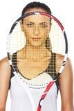 Ritratto di giovane racchetta femminile caucasica della tenuta del tennis Fotografia Stock