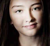 Ritratto di giovane ragazza graziosa. Fotografia Stock