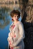 Ritratto di giovane ragazza incinta immagine stock