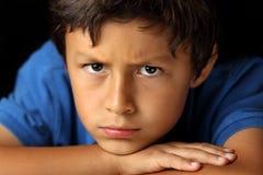 Ritratto di giovane ragazzo - serie del chiaroscuro immagini stock libere da diritti