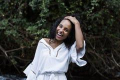 Ritratto di giovane sorridere afroamericano della donna Immagine Stock Libera da Diritti