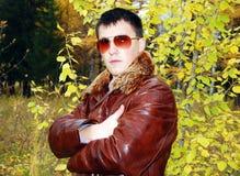Ritratto di giovane tirante attraente. Fotografia Stock