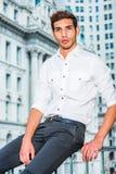 Ritratto di giovane uomo americano a New York Fotografia Stock