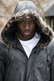 Ritratto di giovane uomo di colore lunatico Fotografia Stock