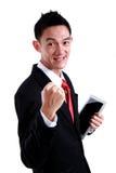 Ritratto di giovane uomo energetico di affari che gode del successo Immagini Stock Libere da Diritti