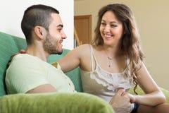 Ritratto di giovani coppie amorose Immagini Stock Libere da Diritti