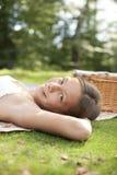 Ritratto di indicazione di picnic Fotografia Stock