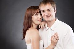 Ritratto di ?lose-up di belle coppie amorose che posano in uno studi Fotografia Stock Libera da Diritti