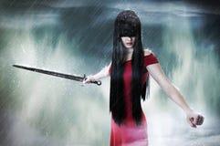 Ritratto di modo di giovane combattente grazioso della donna Fotografia Stock